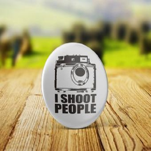 I Shoot People - 32mm Badge